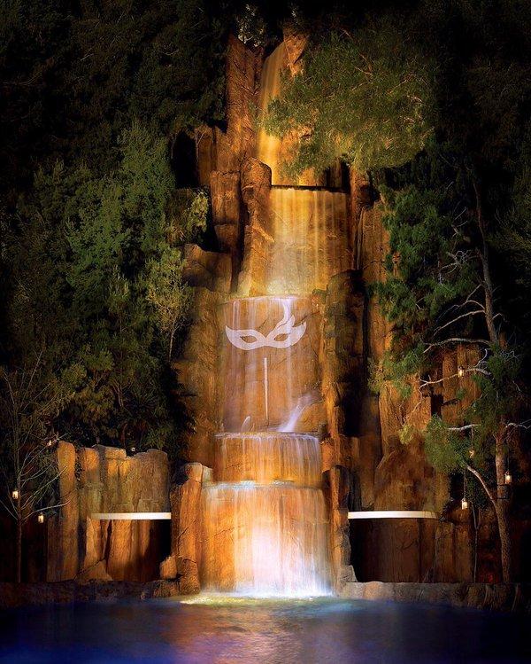 intrigue-waterfall