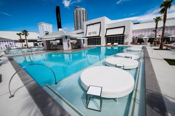 foxtail-pool-club-600x398